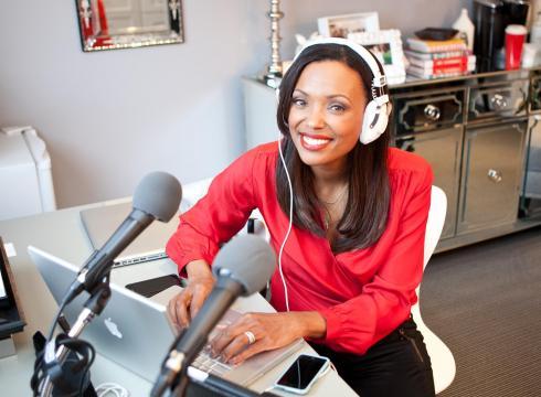 Talking-Your-Tech-Aisha-Tyler-1G17PRF1-x-large